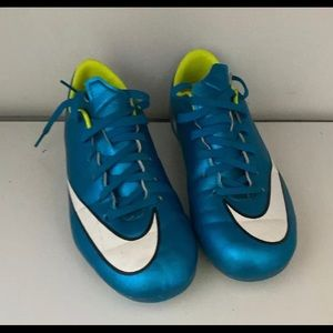 Nike Mecurial Soccer Cleats Kids Size 2